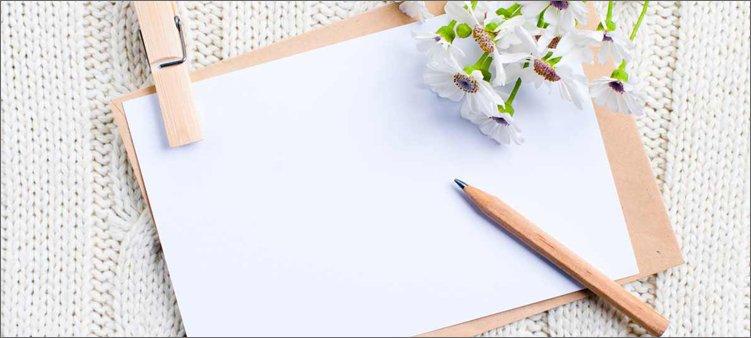 лист-бумаги-карандаш-и-цветы