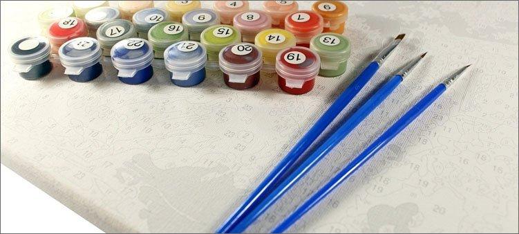 краски-в-баночках-с-номерами-и-кисточки