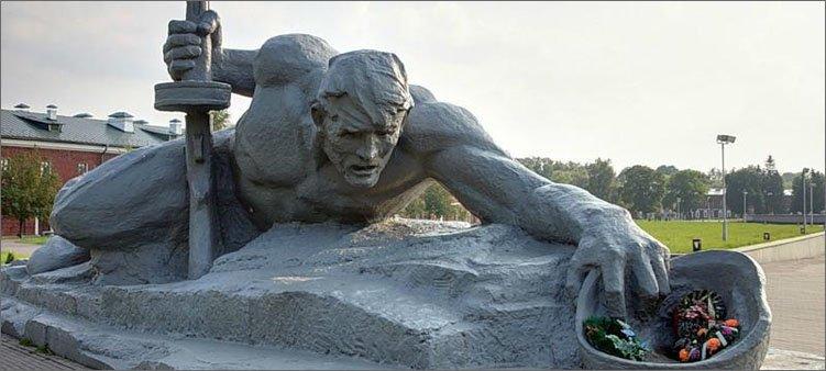 брестская-крепость-мемориал-жажда