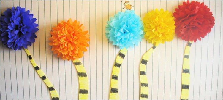 украшение-праздника-из-бумажных-помпонов