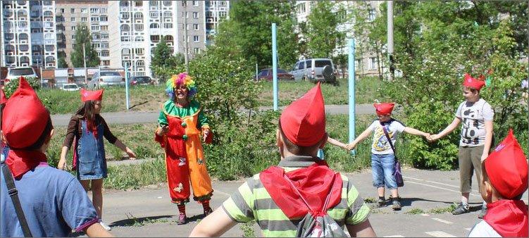 клоун-в-пришкольном-лагере