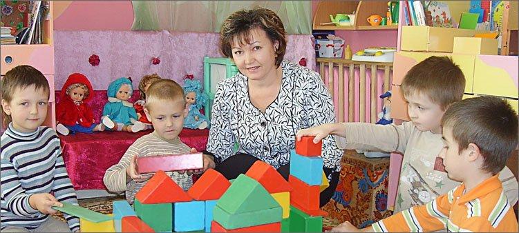 воспитатель-в-детском-саду