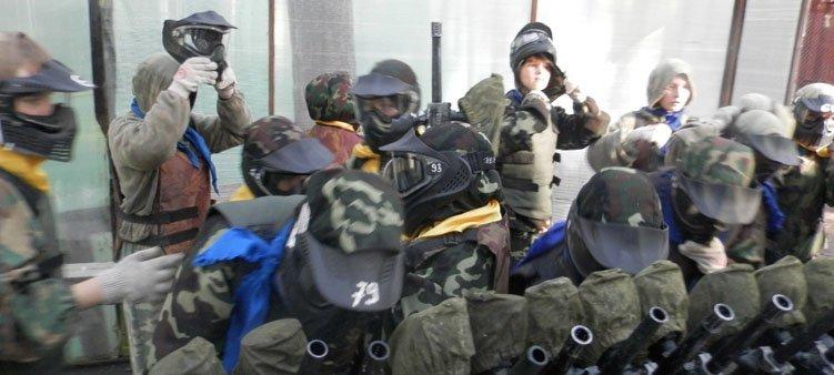 дети-надевают-защитные-маски