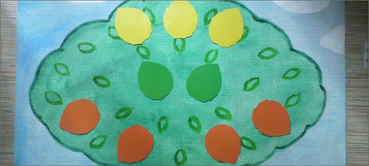 цветные-листья-из-картона-на-нарисованном-дереве