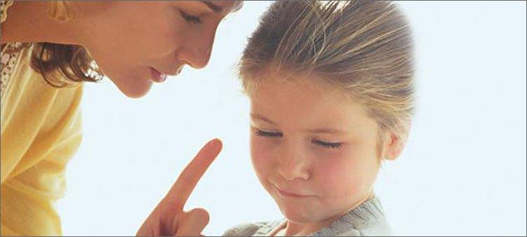 девочка-не-слушает-маму