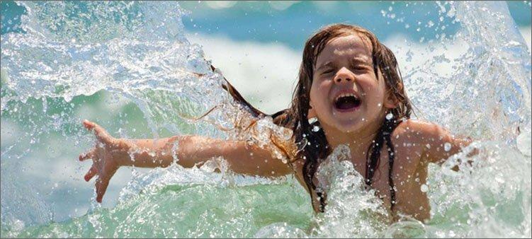 девочка-летом-в-воде