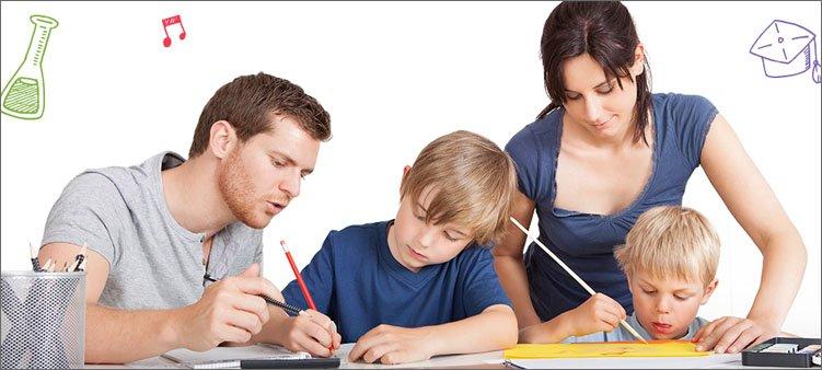 родители-помогают-детям-с-уроками