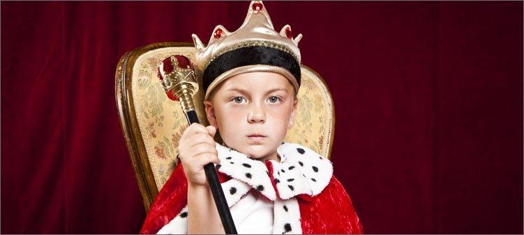 мальчик-в-костюме-короля