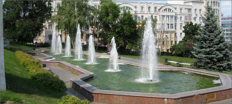 фонтаны-у-драмтеатра-в-липецке
