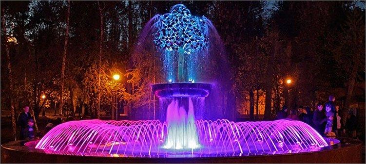 фонтан-в-нижнем-парке