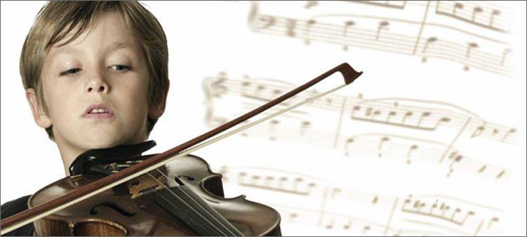 мальчик-играет-на-скрипке