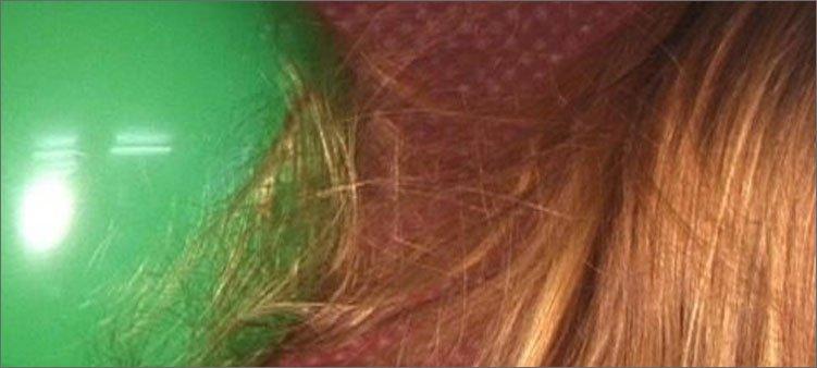воздушный-шарик-притянул-волосы