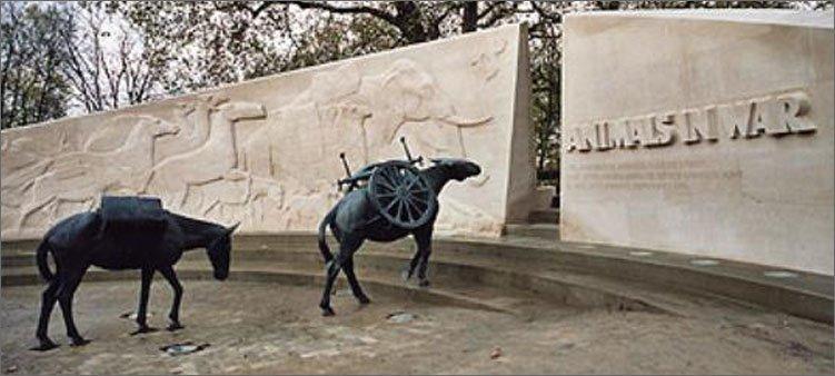 памятник-животным-в-войне