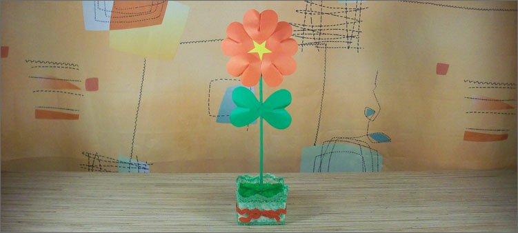цветок-из-красных-и-зеленых-сердечек