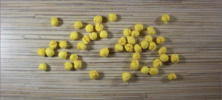 шарики-из-желтых-салфеток