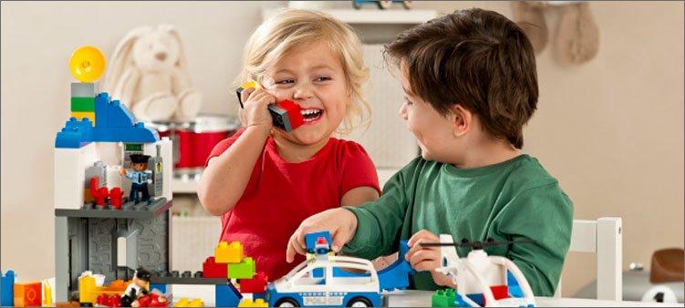 дети-играют-в-лего