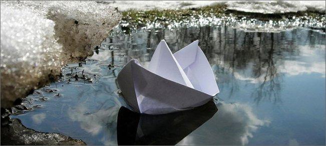 бумажный-кораблик-в-апреле