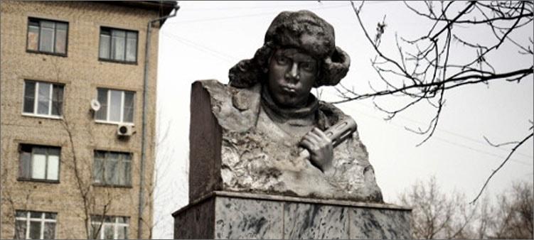 памятник-саше-чекалину