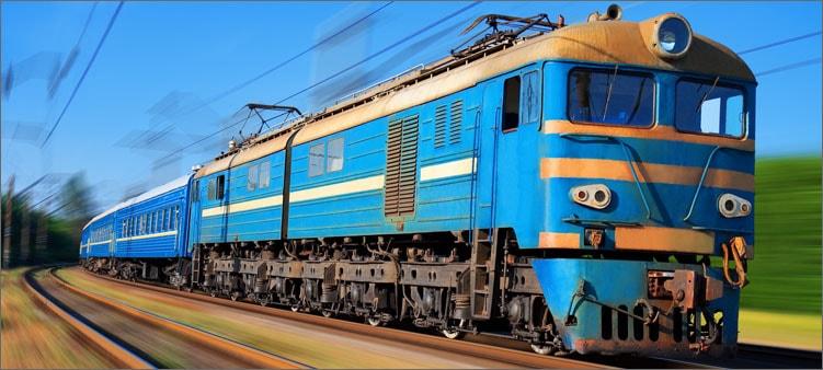 поезд-едет