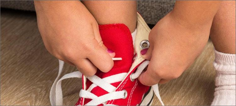 завязывать-шнурки