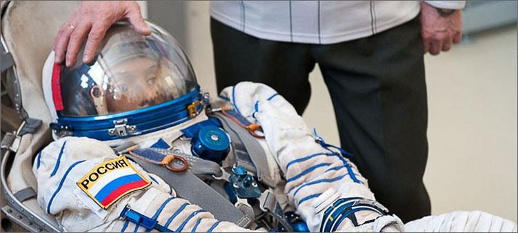 космонавт-тренируется