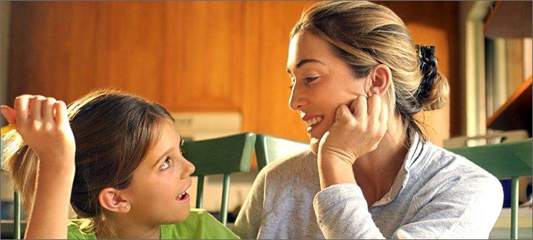 мама-и-дочка-разговаривают