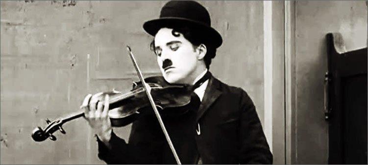 чарли-чаплин-играет-на-скрипке