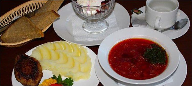 обед-из-трех-блюд-и-десерт