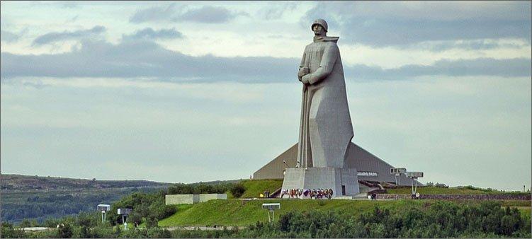 памятник-алеше-в-мурманске
