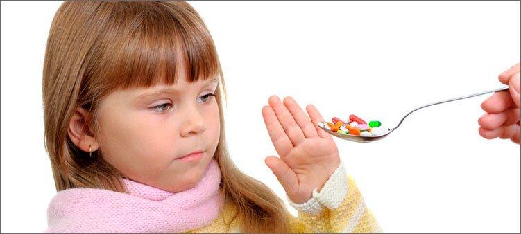 девочка-отказывается-от-таблеток