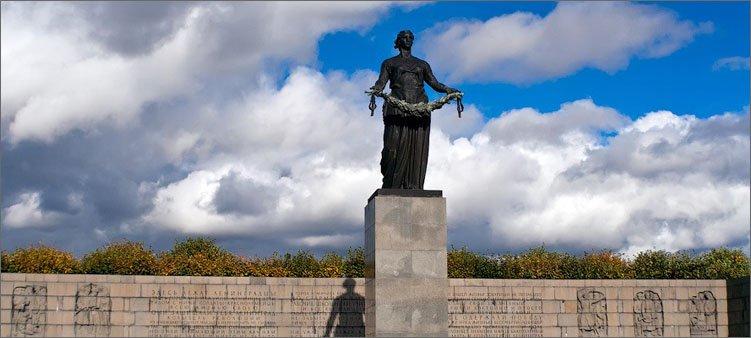 пискаревское-кладбище-в-санкт-петербурге