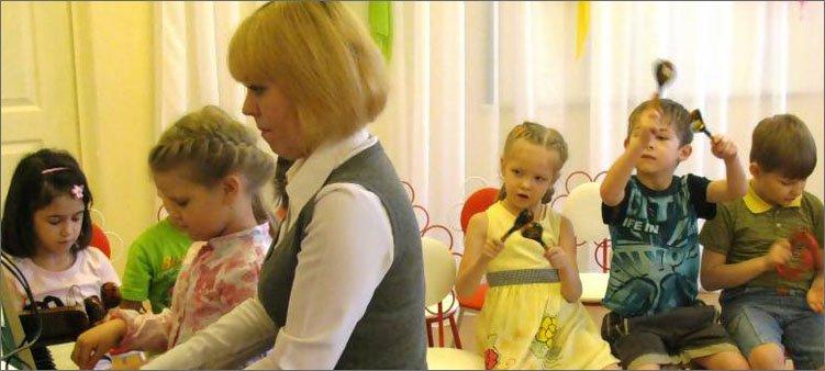 музработник-в-детском-саду