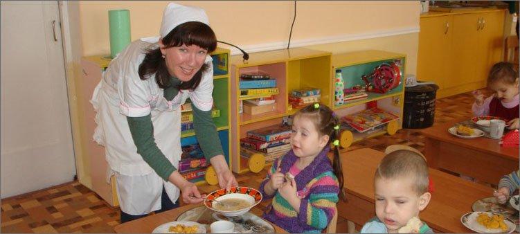 нянечка-в-детском-саду
