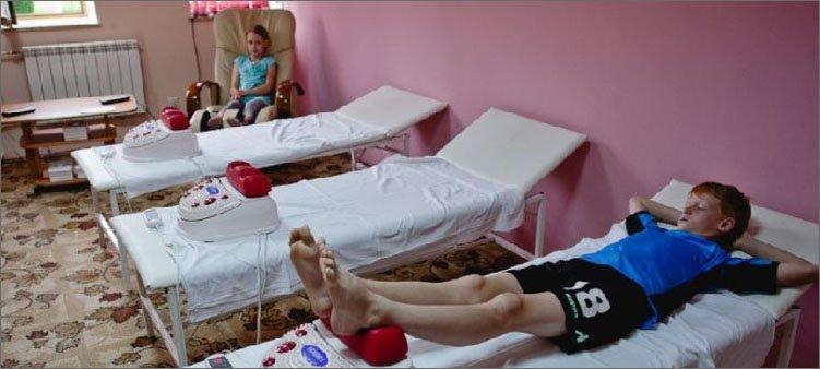 дети-на-процедурах-в-санаторном-лагере