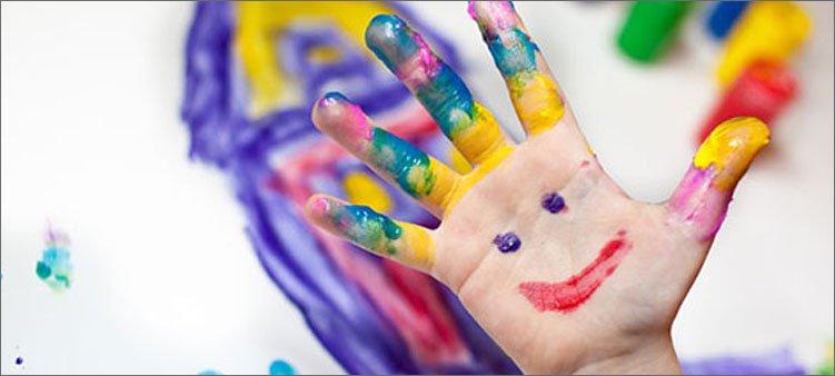 на-руке-нарисован-человечек
