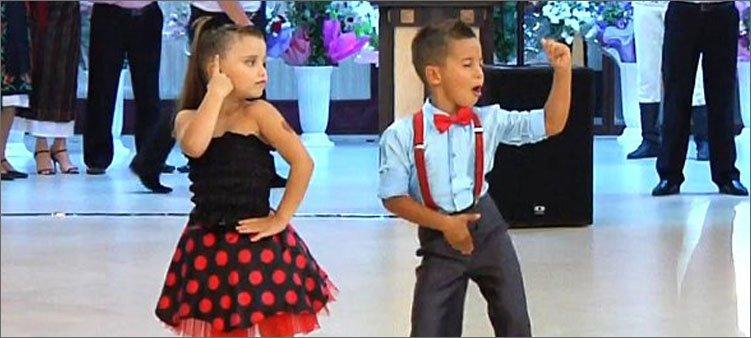 мальчик-и-девочка-танцуют