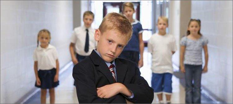 очень-серьезный-мальчик-лидер-в-школе