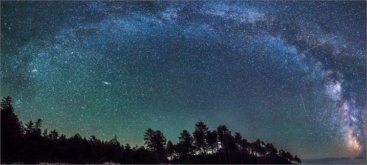 млечный-путь-на-небе-ночью