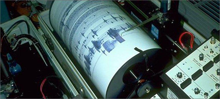сейсмограф-записывает-показания