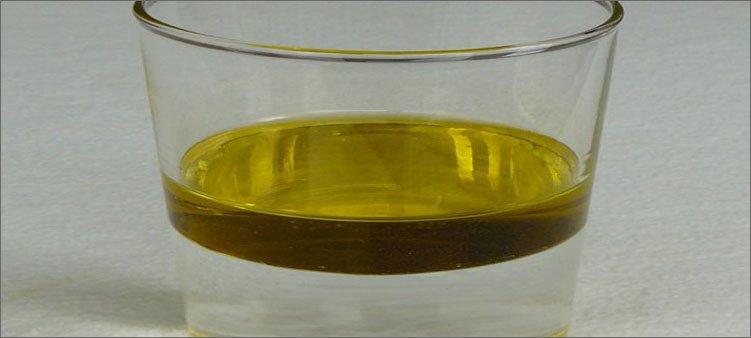 масло-и-вода-в-стакане