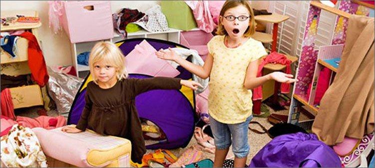 девочки-устроили-беспорядок-в-комнате