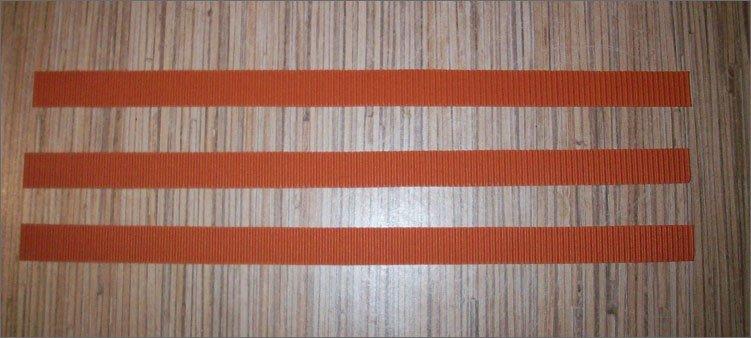 три-полосы-из-коричневого-картона