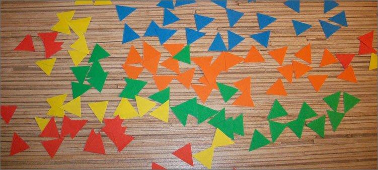 много-треугольников-из-цветной-бумаги