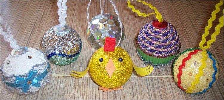 елочные-украшения-из-пенопластовых-шаров