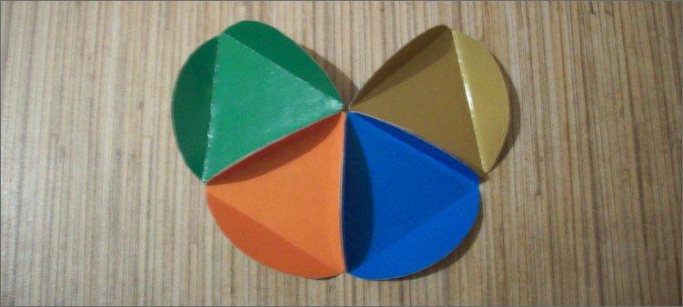 склеены-четыре-картонные-детали
