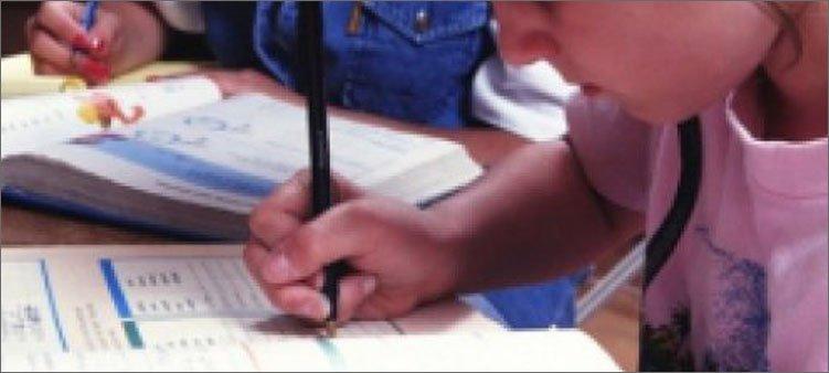 ребенок-неправильно-держит-ручку