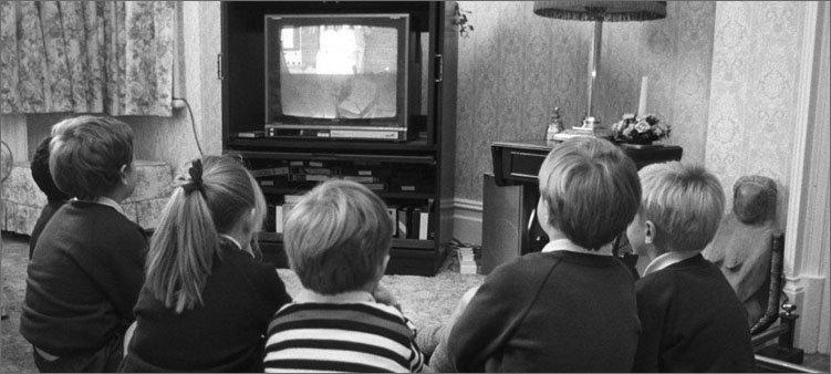 дети-смотрят-телик