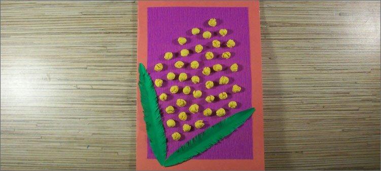 цветы-и-листья-приклеены-на-открытку