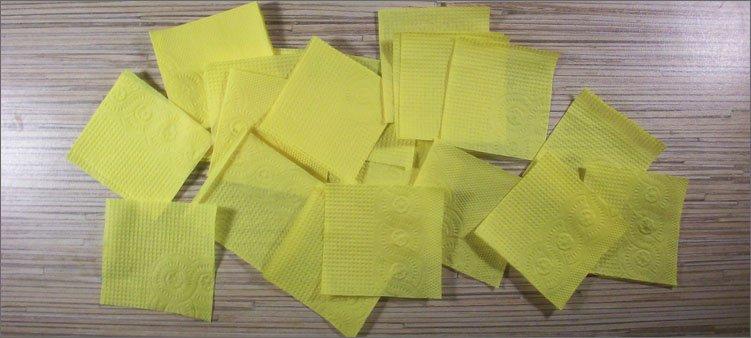 много-квадратов-из-желтых-салфеток