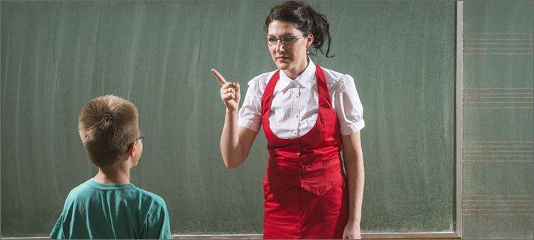 учитель-ругает-мальчика